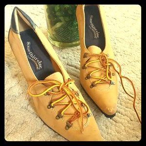 Skechers lug-sole pointed heel oxford bootie